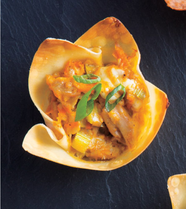 Buffalo-Ranch Chicken Wonton Bites